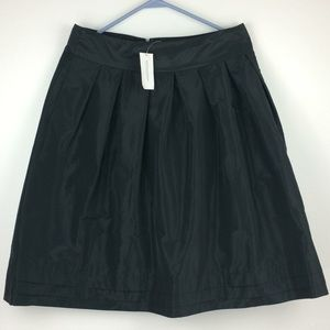 NWT Banana Republic black pleated skirt-Sz 10
